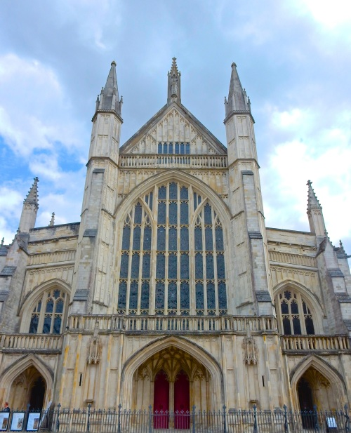 Winchester Cathedral - a magnificent sight. (Nikon S9700)