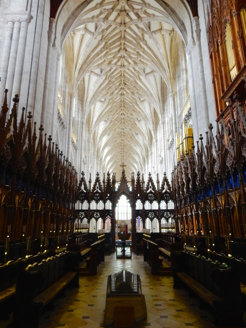 Standing in the Quire looking west. (Nikon S9700)