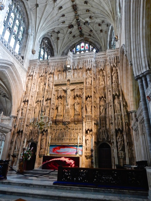 The High Altar, and its 15th Century stone screen. (Nikon S9700)