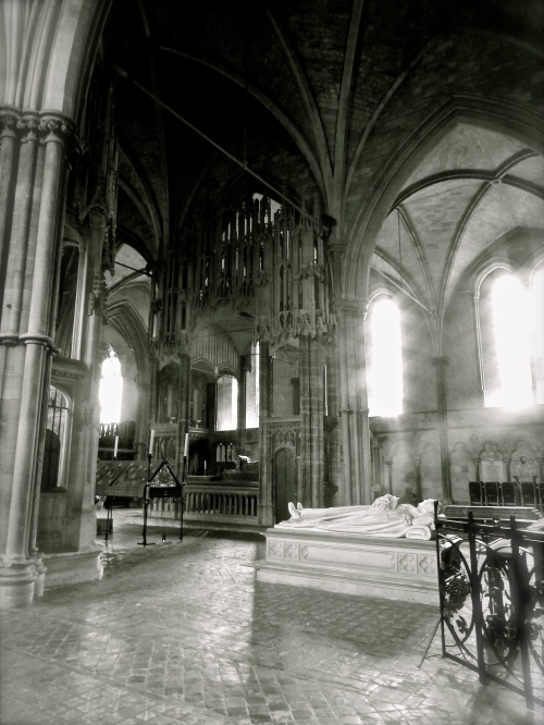Standing in the empty retrochoir and taking everything in, I found myself gazing upon the ghosts of the past. To the left is St. Swithun's memorial shrine. (Nikon S9700)
